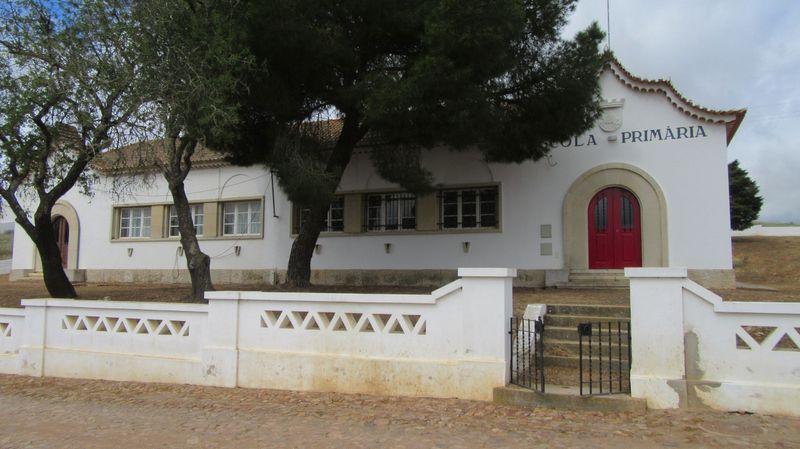 Escola Primária de Alcaria Ruiva