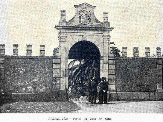 Portal da Casa de Nine