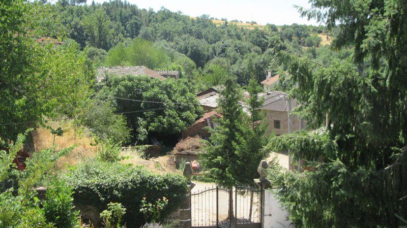 Vista da Igreja Paroquial de Aveleda