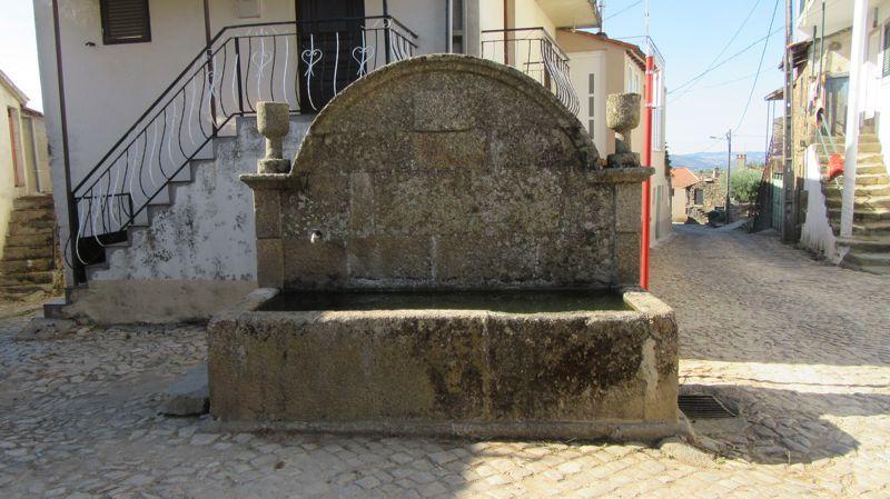 Fonte e tanque