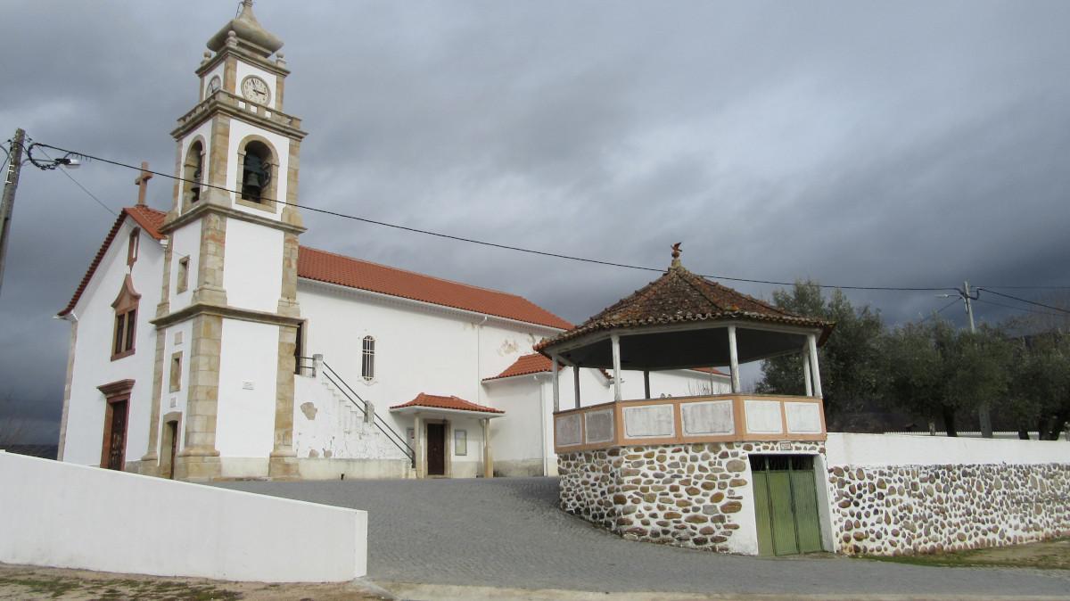 Igreja Matriz de Serpins