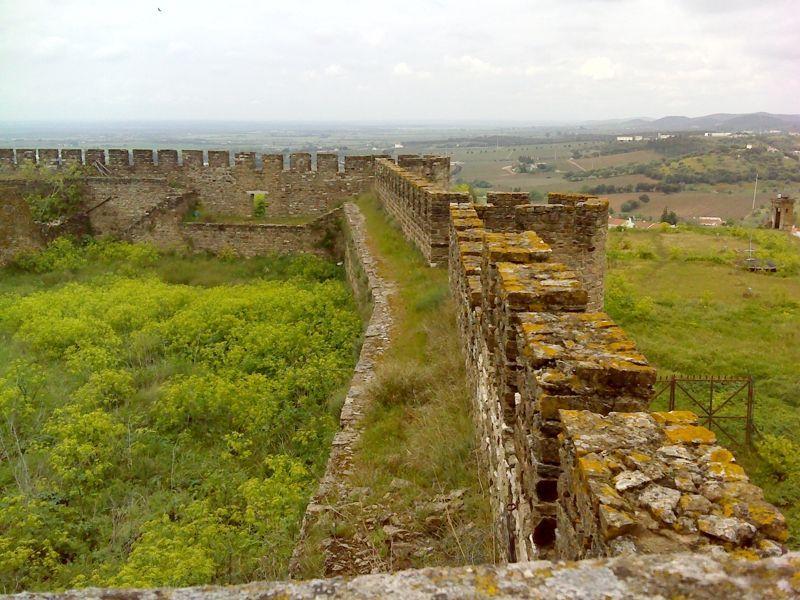 Muralhas do castelo de Estremoz
