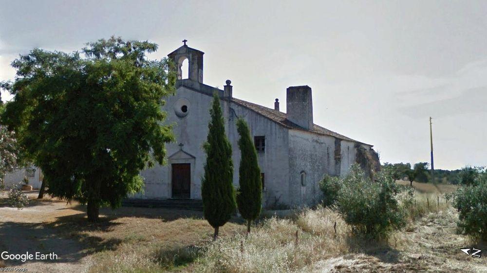 Igreja de São Bento do Mato e dolmen