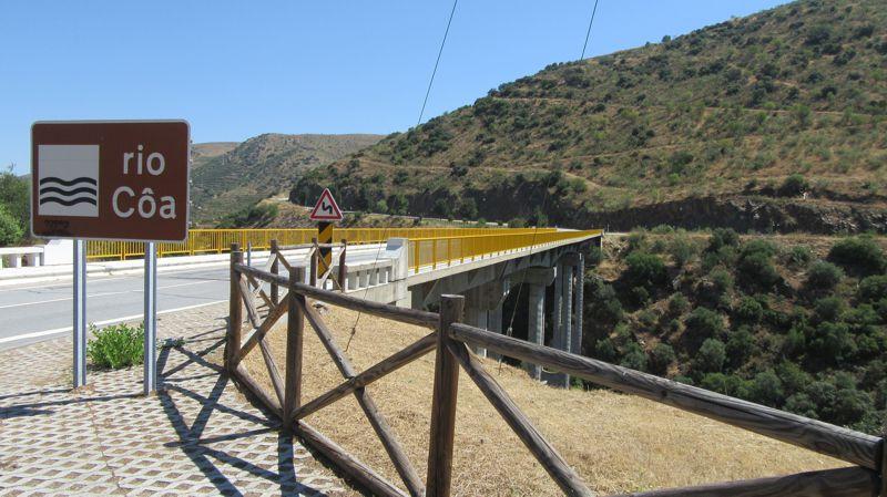Ponte sobre o rio Côa
