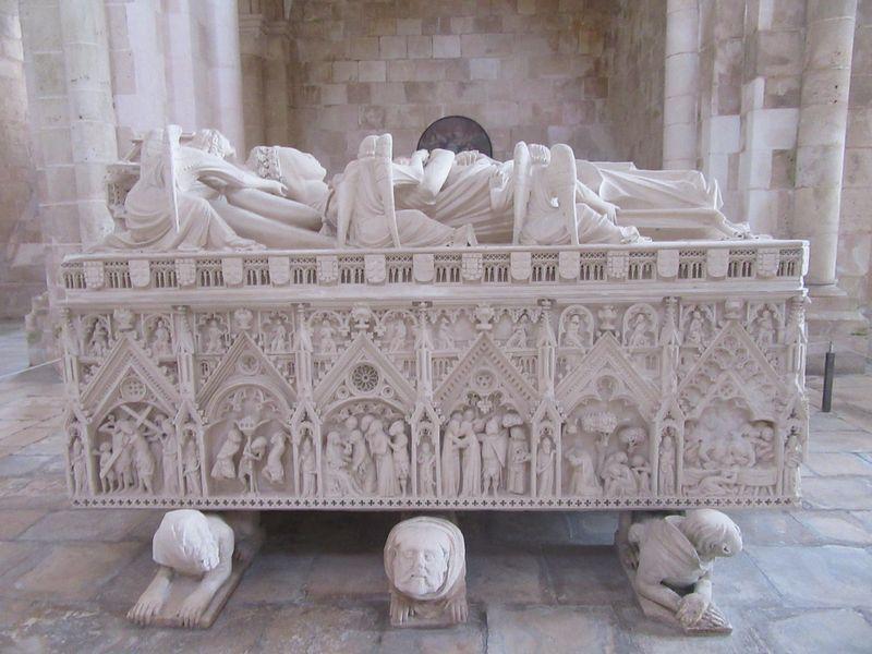 Túmulo de D. Inês