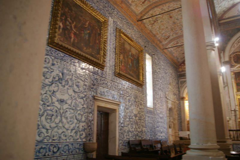 Igreja de Santa Maria - azulejos e pinturas