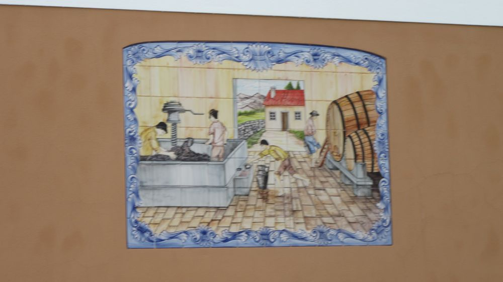 Largo da República - painel de azulejos