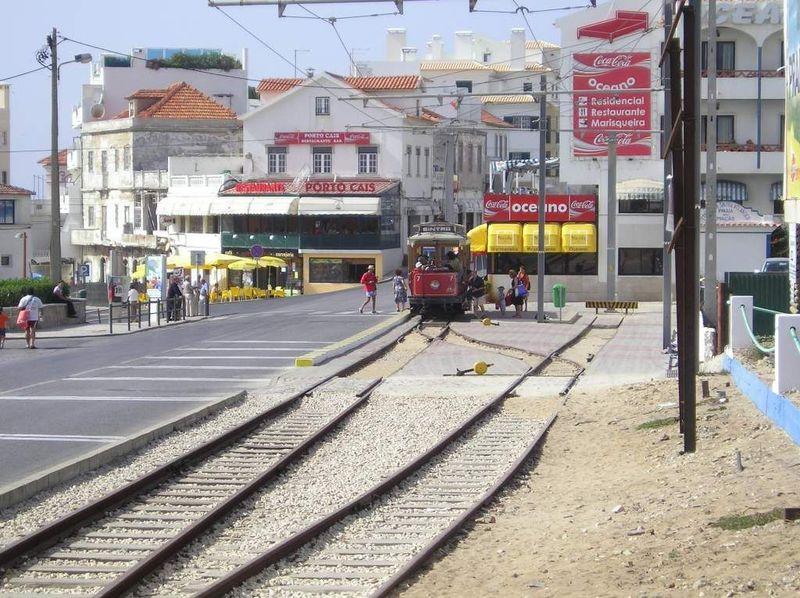 Elétrico da Praia das Maçãs