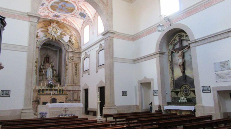 Igreja de Sobral de Monte Agraço - Lateral direita