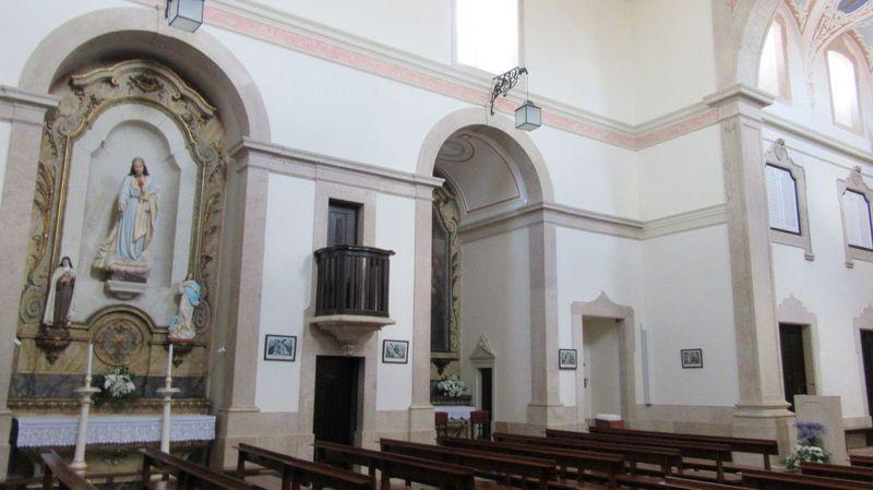 Igreja de Sobral de Monte Agraço - Altares à esquerda
