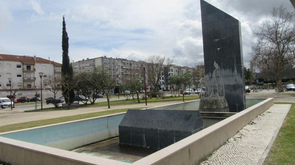Monumento ao Bombeiros Torriense