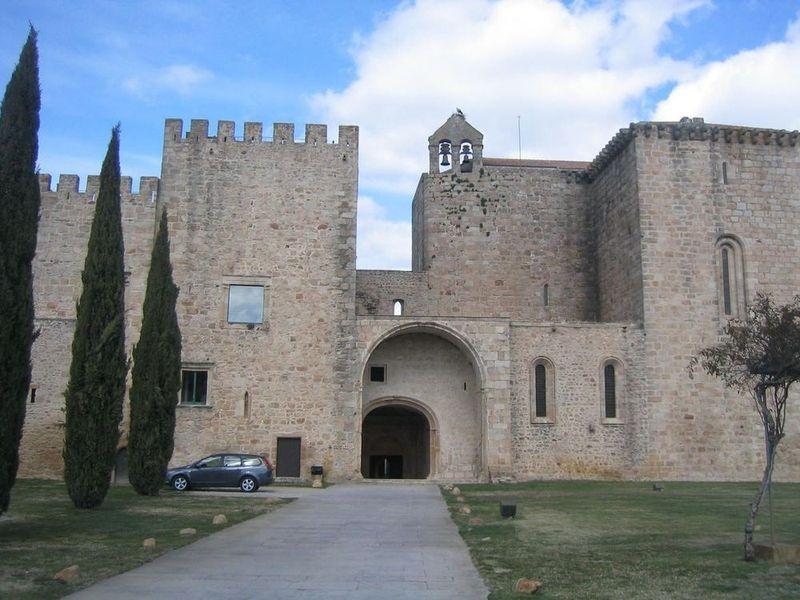 Mosteiro de Santa Maria de Flor da Rosa