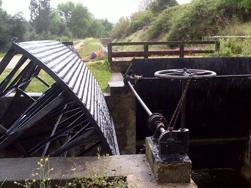 Comportas da barragem de Montargil