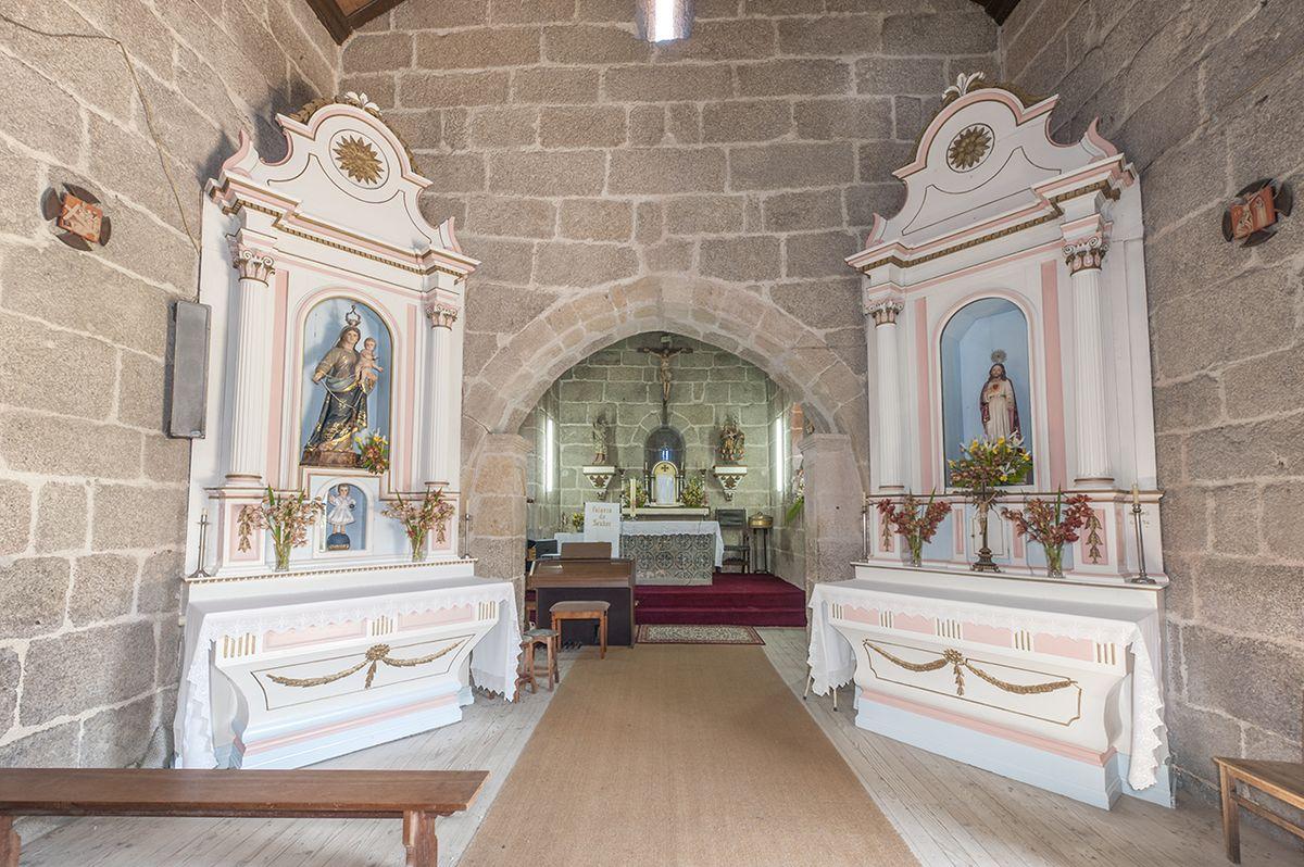 Igreja de Jazente - retábulos colaterais