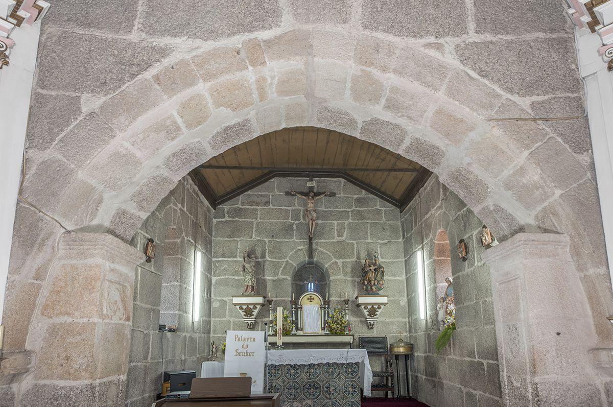 Igreja de Jazente - altar-mor