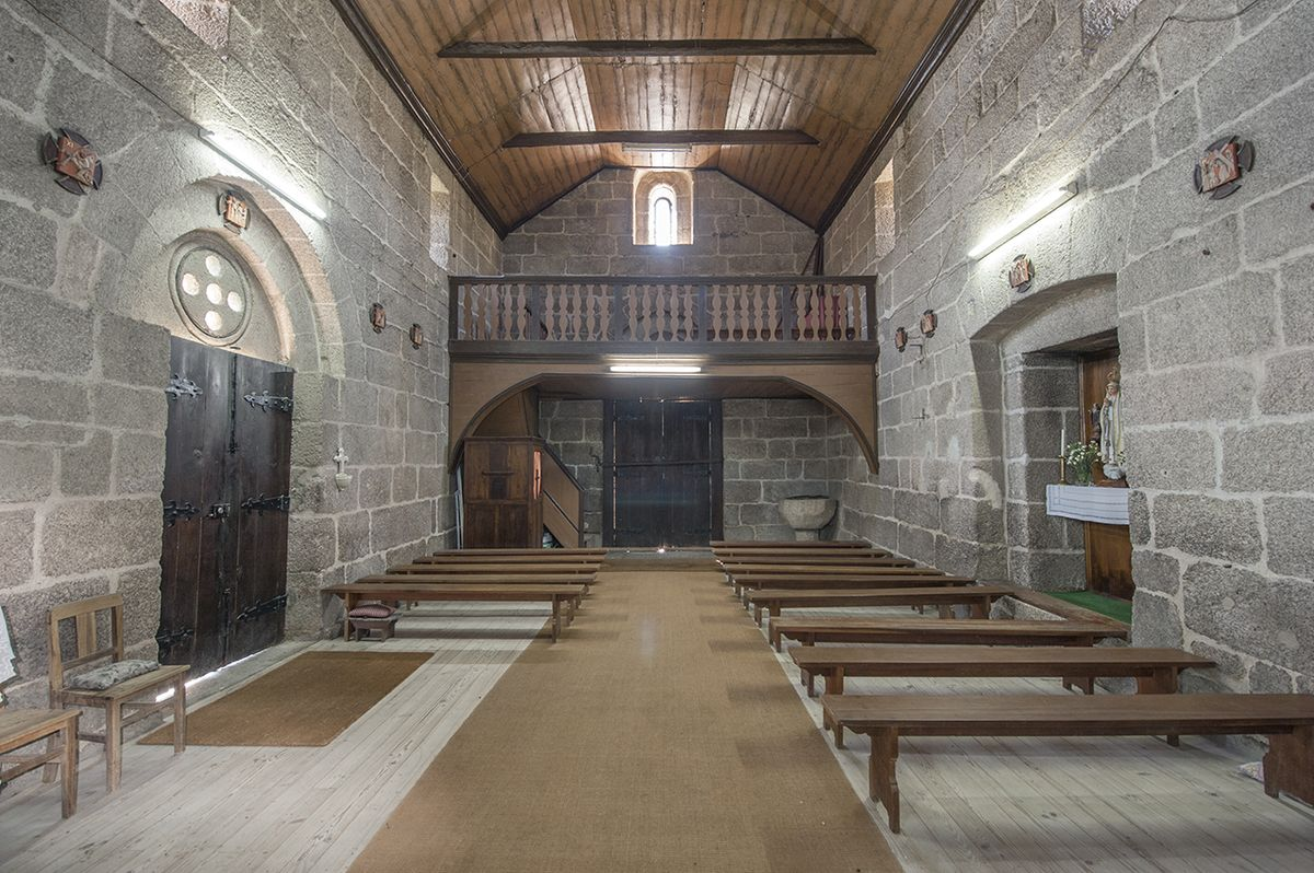 Igreja de Jazente - nave e coro