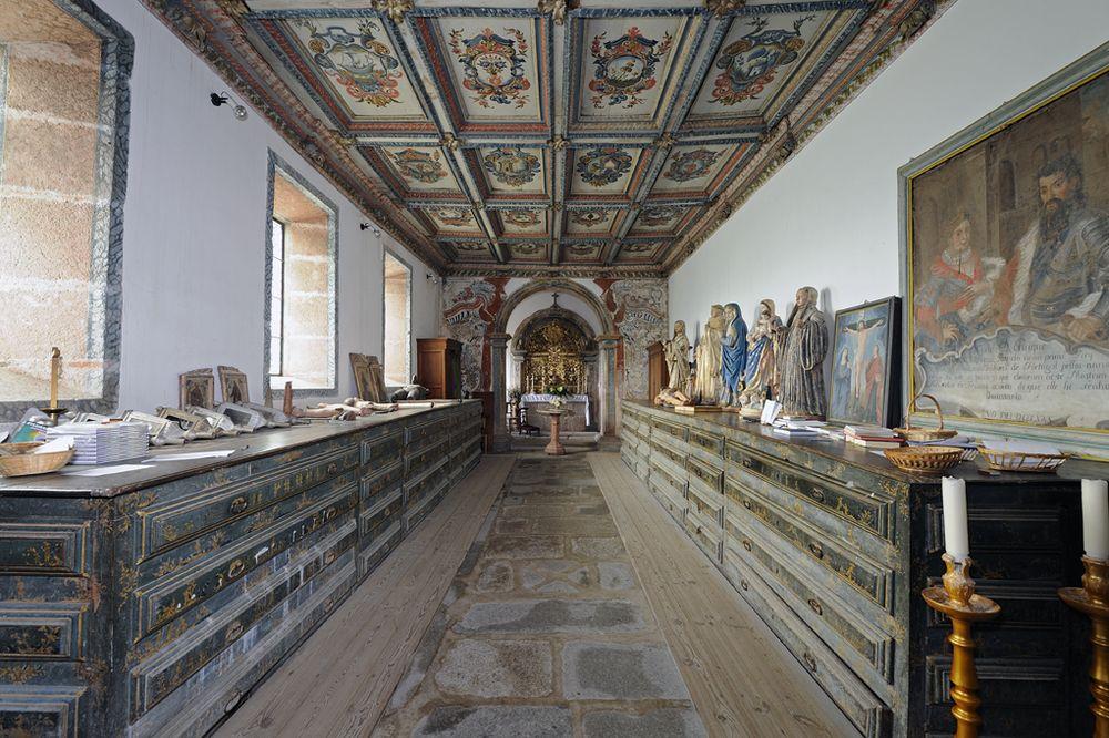 Mosteiro de Travanca - sacristia