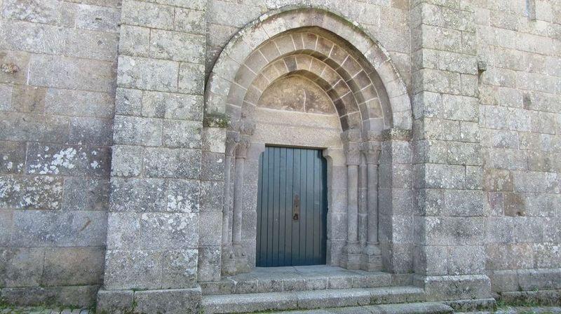 Mosteiro - porta lateral