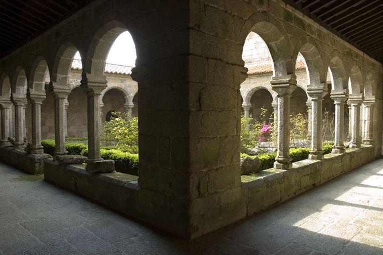 Mosteiro de Cête - Claustros