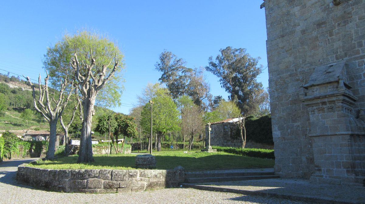 Mosteiro de Cête - jardim