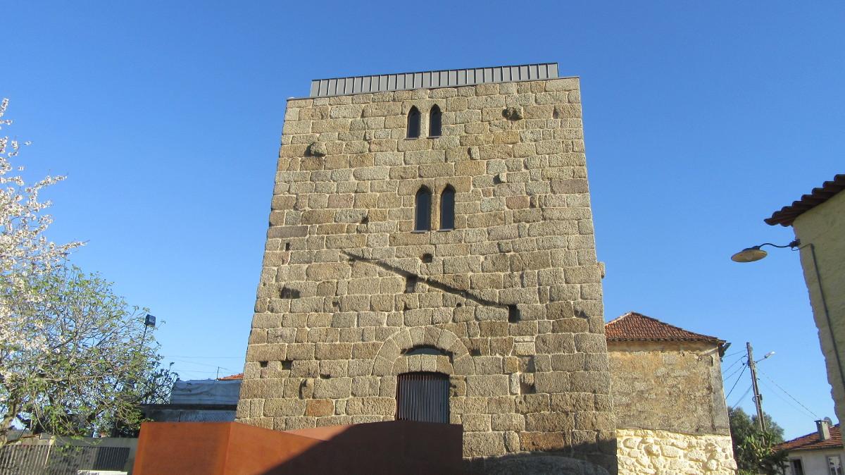 Torre dos Alcoforados - fachada oeste