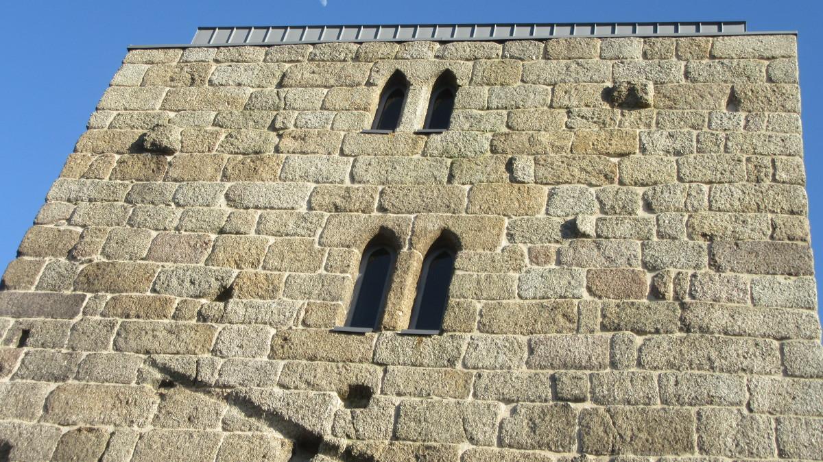 Torre dos Alcoforados - topo oeste