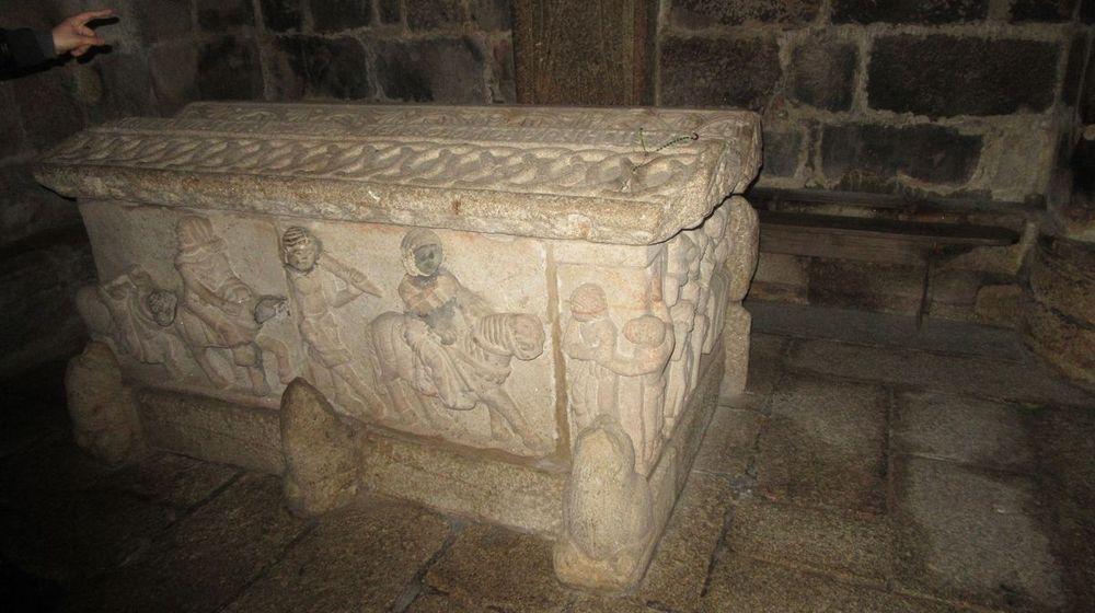 Igreja - túmulo Egas Moniz