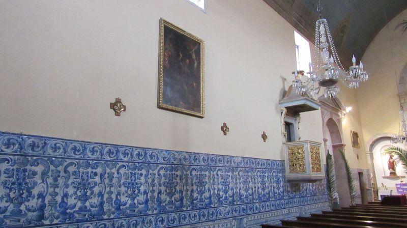 Igreja Matriz - Lateral esquerda e púlpito