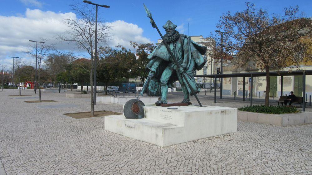 Estátua do Prior do Crato