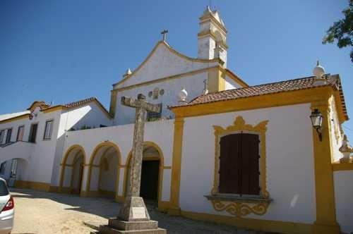Convento da Caridade - Mosteiro e cruzeiro