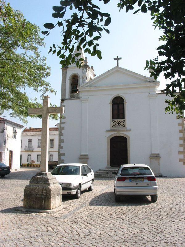 Igreja e Cruzeiro