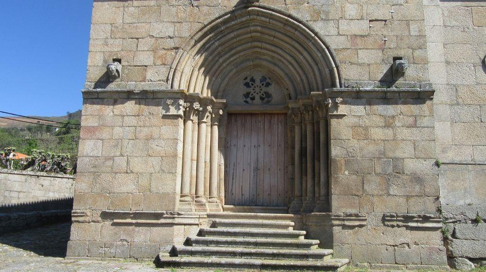 Igreja - Portal oeste