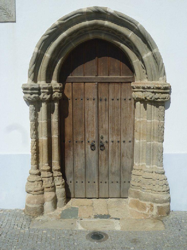 Antigo Hospital - porta Manuelina
