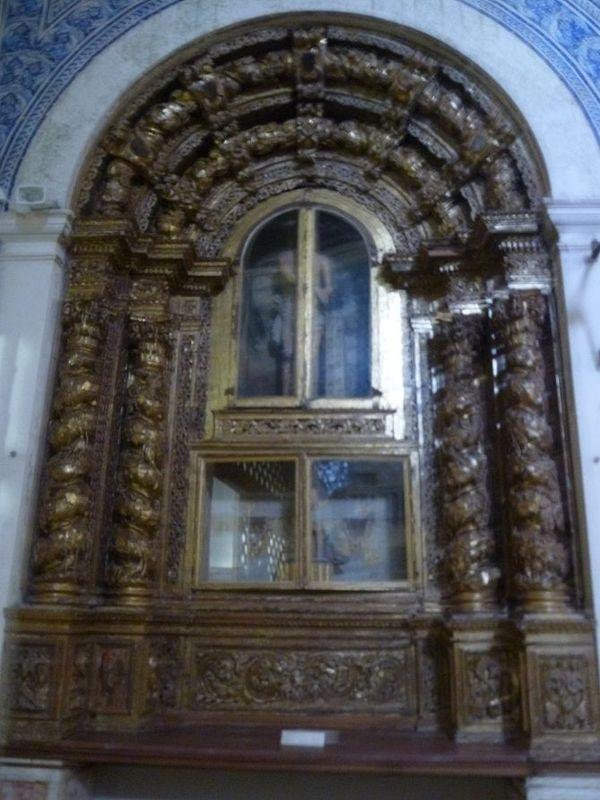 Mosteiro de Santa Maria de Cós - altar
