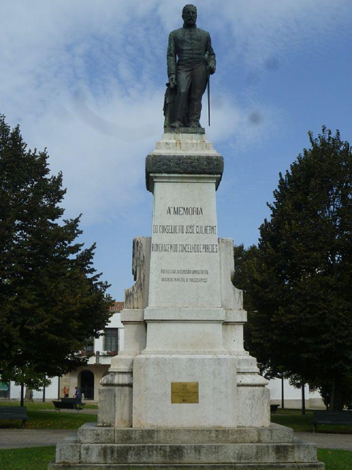 Estátua de José Guilherme Pacheco