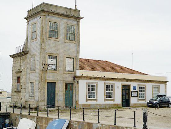 Capela e Farol de S. Miguel-o-Anjo