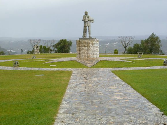 Estátua de D. Nuno Álvares Pereira