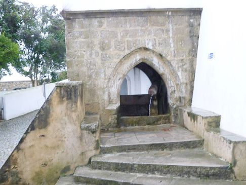 Fonte Gótica Medieval