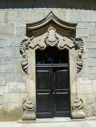 Igreja Matriz de Antas ou de São Miguel, porta lateral